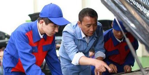 竞技比拼,征战巴哈,中国汽车工程学会巴哈大赛CCTV4报道